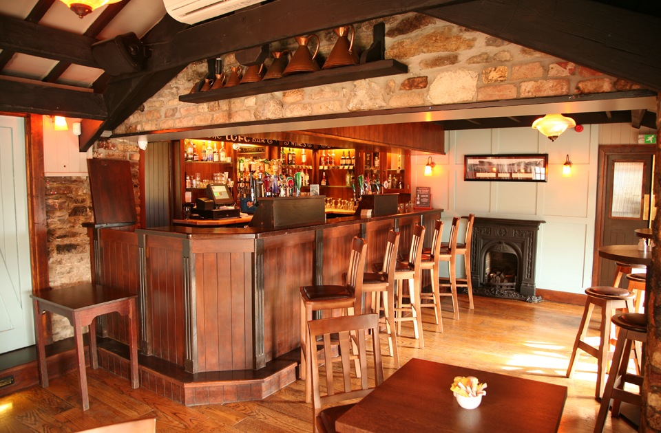 Durty Nellys Irish Pub Bunratty Loft Bar